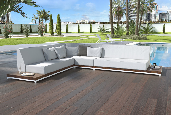 Callisto Outdoor Sofa Focus